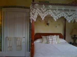 Tuscany Guestroom Renovation original queen bed