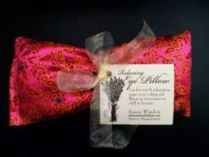 lavender eye mask in fuschia silk pattern
