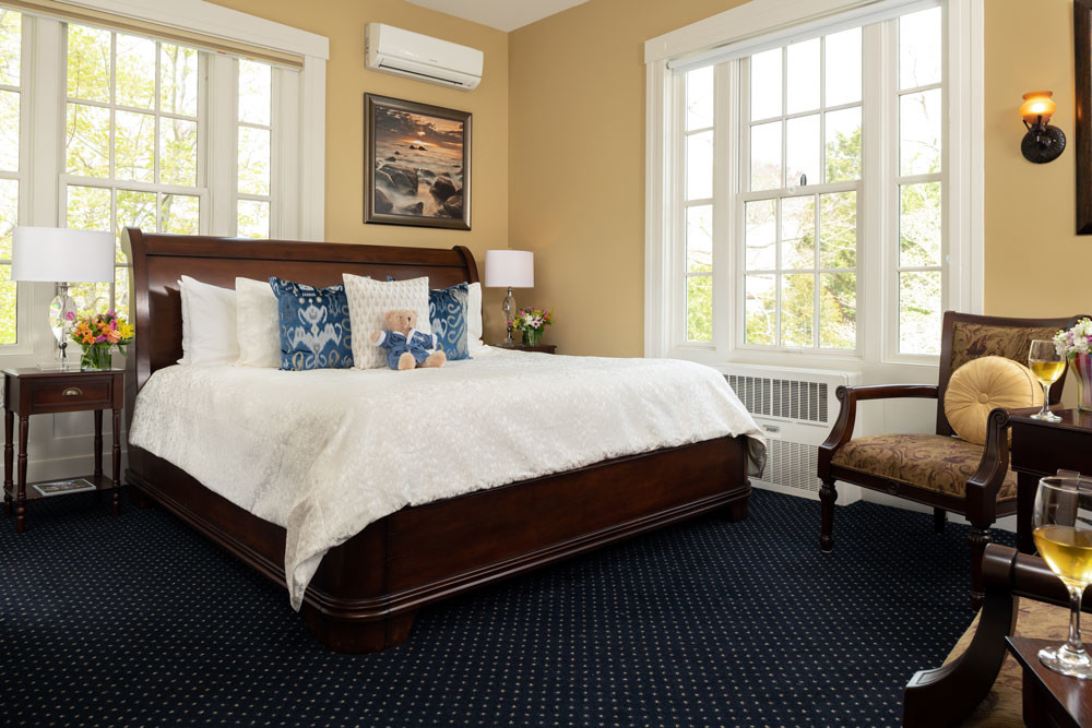 Guest-rooms-Forbes-Bed
