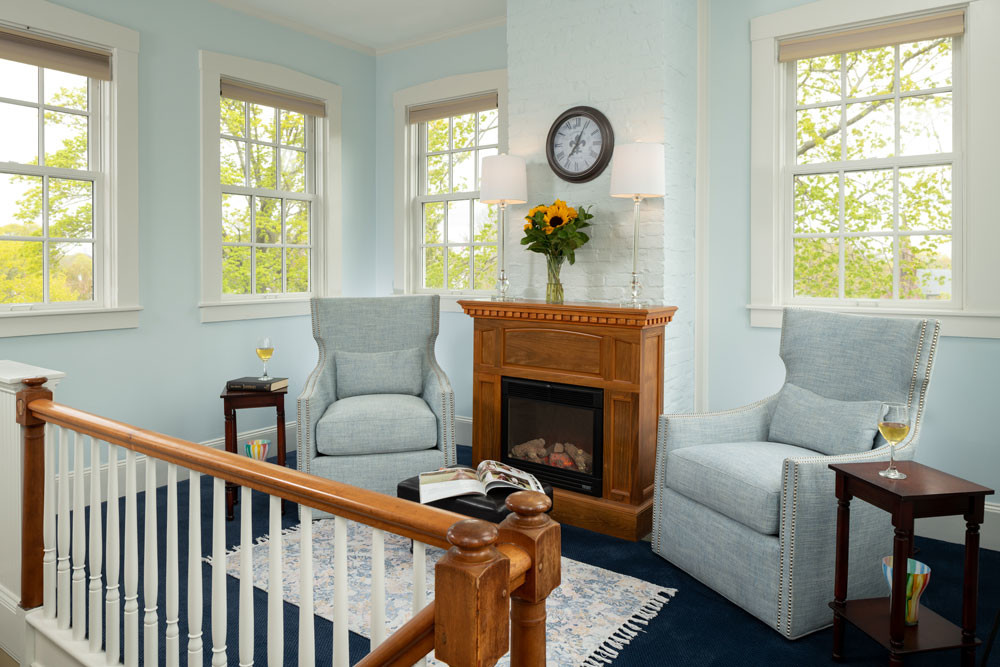 Guest-rooms-Forbes-fireplace-sitting-area