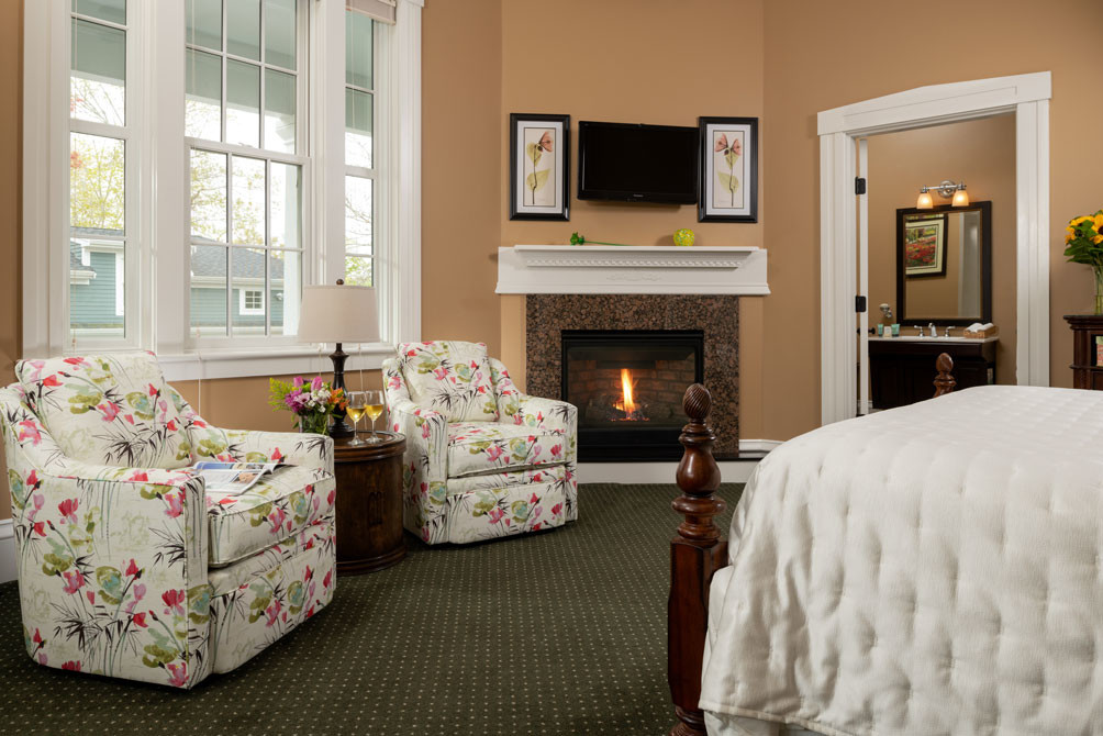 Guest-rooms-Hatch-Fireplace-Sitting-Area
